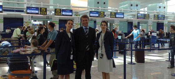 Hallvard Bratberg flankert av Almudena Castiñeiras og Eva Simon under åpningen av Terminal 1 i Barcelona
