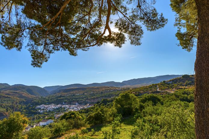 Til fots tvers gjennom naturparken Sierras de Almijara, Tejeda y Alhama