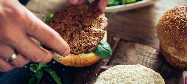 Plantefarse og veggiekaker – alternativer til kjøtt