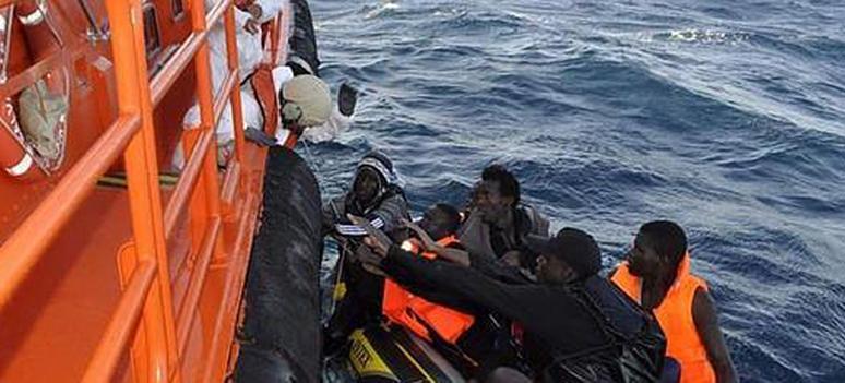 Immigranter gummibåd