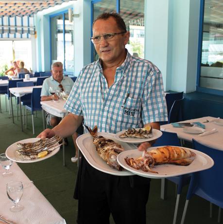 Månedens anbefaling: Fersk fisk på havnen i Caleta de Vélez