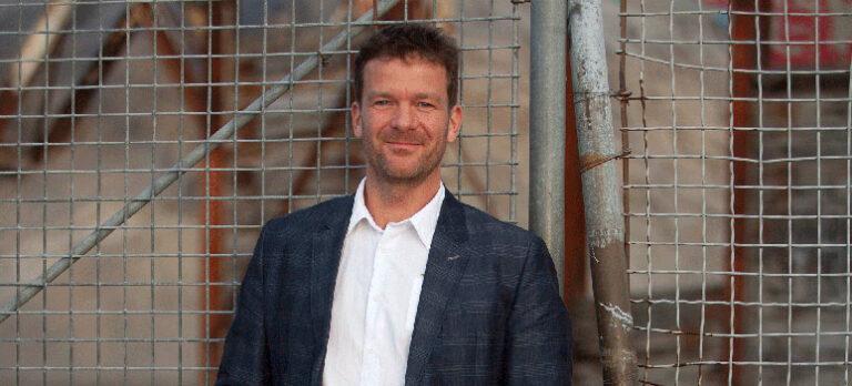 Thomas Borgå kommer til Costa del Sol og tilbyr den nye behandlingen med infrarødt lys for AMD og grå stær