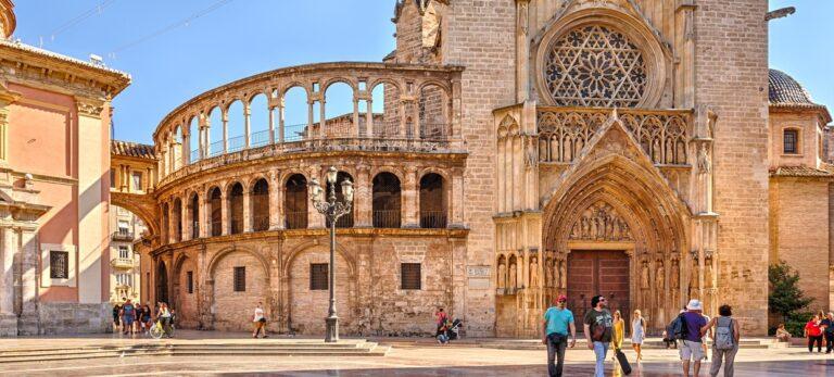 Den hellige grals vei gjennom 2.000 år til både León og Valencia