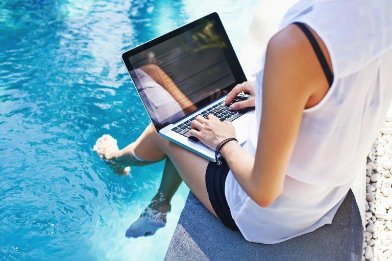 10 gode råd for å unngå hackerne i sommerferien