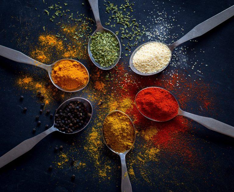 Spanskundervisning: Krydderier og krydderurter / especias y hierbas