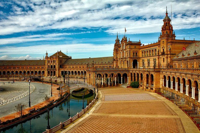 Derfor bør du besøke vakre Sevilla om sommeren