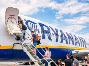 Første flyreise siden mars 2020 – ingen vet noe og ingen vil si noe