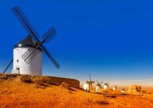 Consuegra – ved foten av åsryggen hvor Don Quijotes kjemper står