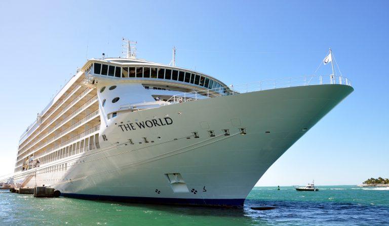 Verdens eneste fastbebodde cruiseskip tilbake i Málaga